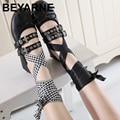 Марка же дизайн женщины мягкий пряжка пояса бабочка лук плоские туфли женские шнуровкой бинт балетная обувь