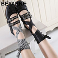 Marca mujeres mismo diseño suave cinturón de hebilla de mariposa arco zapatos planos zapatos de mujer atan para arriba zapatos de ballet vendaje
