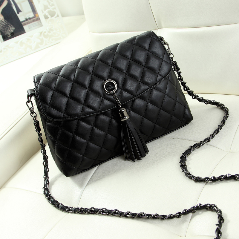 66930fda21cc Small Women Shoulder Bag Lady Retro Minimalist Crossbody Bag Hotsale Tassel  Women Messenger Bag