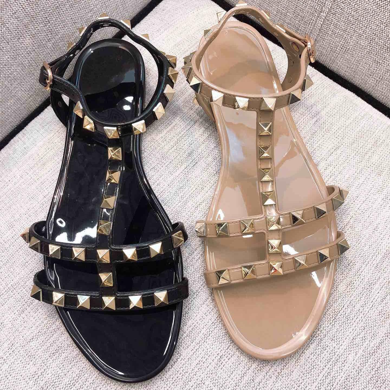 여성 샌들 여성 2019 새로운 여름 신발 뜨거운 판매 패션 숙 녀 신발 비치 리벳 검 투 샌들 대형 40-에서여성용 샌들부터 신발 의  그룹 1