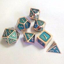 Factory Outlet новый шрифт Подземелья и Драконы 7 шт./компл. Творческий ролевая игра игральные кубики D & D металлические кубики установить прозрачный синий