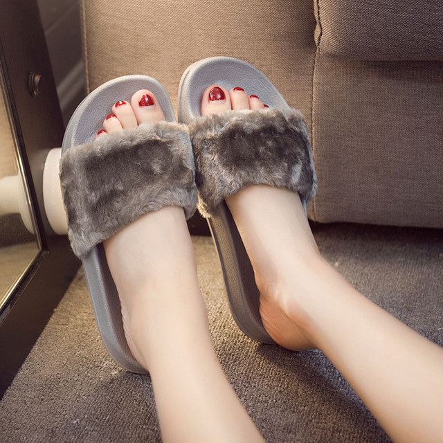 Women Flat Slipper Stylish Girls Fluffy Faux Fur Flip Flops Sandal Ladies Slip On Sliders Shoes