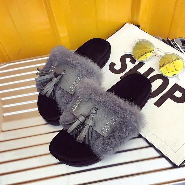 Меховые тапочки Европейский Американский известный бренд женщина вьетнамки кисточкой дизайн женщина скользит тапочки меха флип-флоп леди обувь