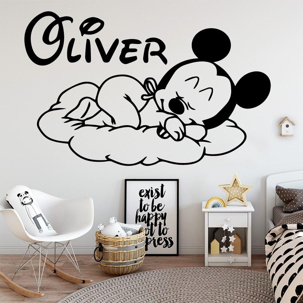 Nom personnalisé Mickey Mouse vinyle autocollant mural décor pour chambre d'enfant enfants Babys chambre décoration décalcomanie autocollants peintures murales Stickers muraux