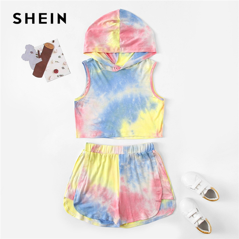 все цены на SHEIN Kiddie Tie Dye Hoodie Top And Elastic Waist Shorts Girls Set Child Outfits 2019 Summer Vacation Sleeveless Boho Suit Sets