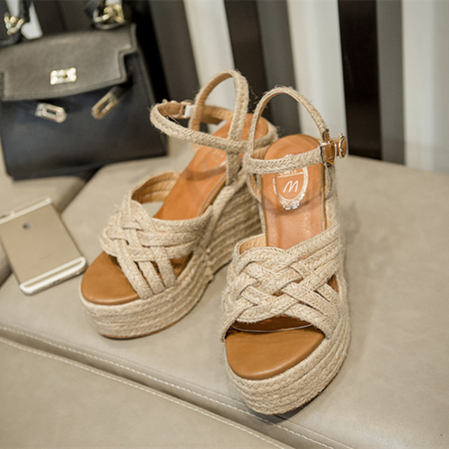 4358d13f4 2018-Wedges-Platform-Women-Sandals-Fashion-Quality-Comfortable-Bohemian- Women-Sandals-For-Lady-Shoes-high-heel.jpg_640x640.jpg