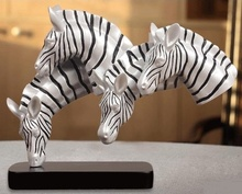 Abstract Zebra Heads Statue Handmade Resin Wild Animal Bust Sculpture Ornament Art and Craft Ornament for Home and Office Decor