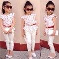TR-150 Moda plissada curta-manga comprida t-shirt de roupas 2017 da menina + calça branca 2 pcs set roupas das crianças terno menina roupas