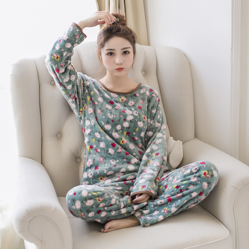 2018 Autumn and winter ladies pajamas flannel 2 sets of sweet lovely coral fleece home service suit M-XXL code