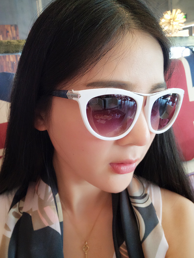 5c09684fcd6 Aliexpress.com   Buy 2016 Butterfly Women Sunglasses Personality Big Frame  Sun Glasses Lunette De Soleil Female Eyewear Glasses Sunglasses from  Reliable ...