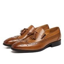 Pai's Sapatos Preto/marrom mocassins mens sapatos de couro genuíno sapatos de negócios dos homens sapatos de casamento com borla