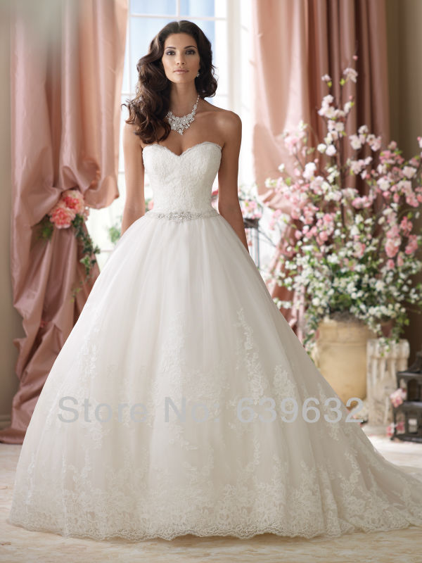 Sweetheart Neckline Strapless Embroidered Lace Bodic Tulle Ball Gown