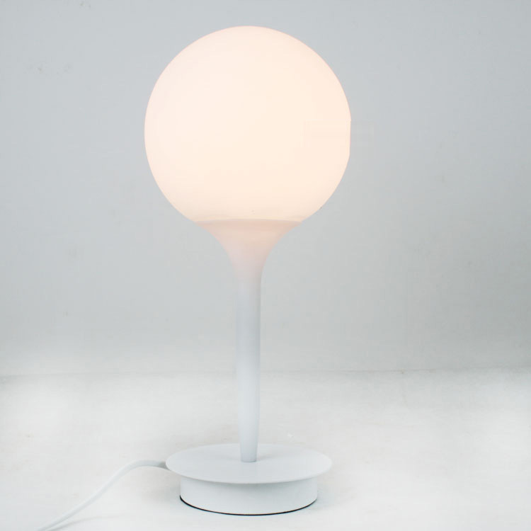 Modern Glass Golf Ball Table Light Italy White Frosted Glass Lampshade Study Room Table Lighting Fixtures Bedsides Desk Lamp golf ball sample display case