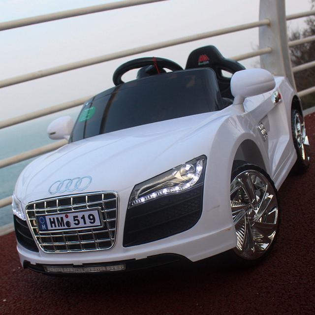 Audi quatro bebê criança carro elétrico carro elétrico com um controle remoto carro de brinquedo de controle crianças que pode sentar-se o carrinho de bebê