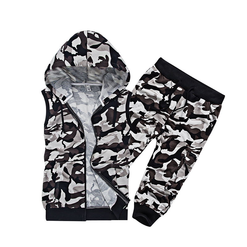Men Camo Tracksuit Set Two Piece Set Sportswear Male Clothes Sweatshirt Hooded Sleeveless Tops And Half Shorts Pants 2018 Summer