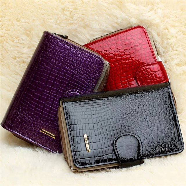 Luxury Shimmering Crocodile Skin Patterned Genuine Leather Wallet