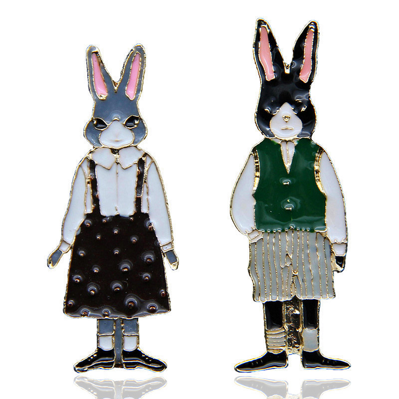New Design Rabbit/Cat Enamel Pin Brooches Couple Animal Vintage Badges Bunny Backpack Cute Cartoon Pin For Women Jewelry Gifts