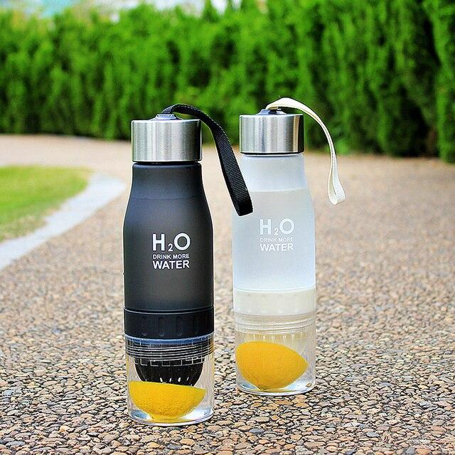 H2O gourde en plastique 2019 ml, bouteille deau avec presse agrume, bouteille de sport en plein air, infusion à base de fruits, aux agrumes, Portable, idée cadeau pour noël 700