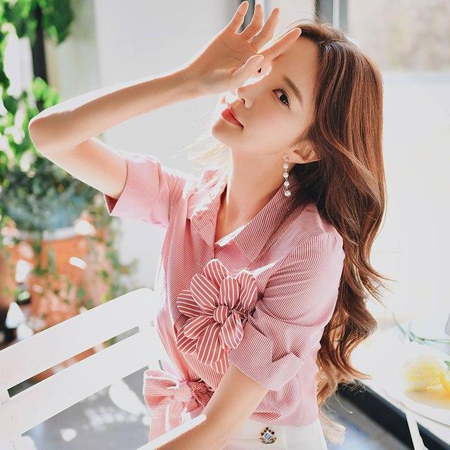 Dabuwawa Summer Pink Bow Striped Blouse For Girls Women 2019 New Half Sleeve Flower Sweet Shirts Chic Crop Top DN1BST023