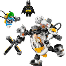 цена на 07096 Super Heroes Batman Movie Mech Food Fight Condiment King Building Blocks Toy Gift For Children 70920 Batman