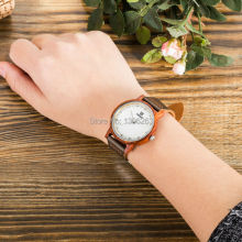 2016 attractive top brand women wooden watch Quartz movement red sandal wood cow caff leather strap fashion dress wood watch