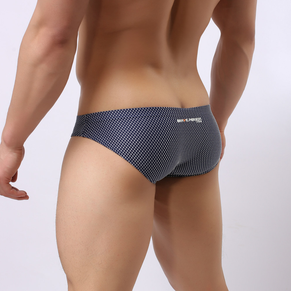 Brave Person Underwear Men Nylon Mens Sexy Briefs Low Wiast Mens Bikini Briefs Seamless Panties Dot Print Posing Trunks Slip