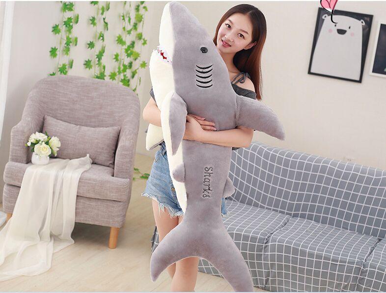 Énorme 150 cm belle bande dessinée gris requin en peluche jouet doux coton poupée oreiller de couchage jouet, cadeau d'anniversaire b2855