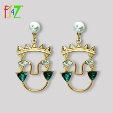 F.J4Z New Baroque Stone Earrings Women Fashion Human Face Pendant Vintage Lady Party Dropshipping