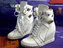 Оригинальный кожаный металлической цепочкой на платформе женская повседневная обувь Кружева до Одежда высшего качества Ботильоны на танкетке замшевые corcodile Обувь кожаная
