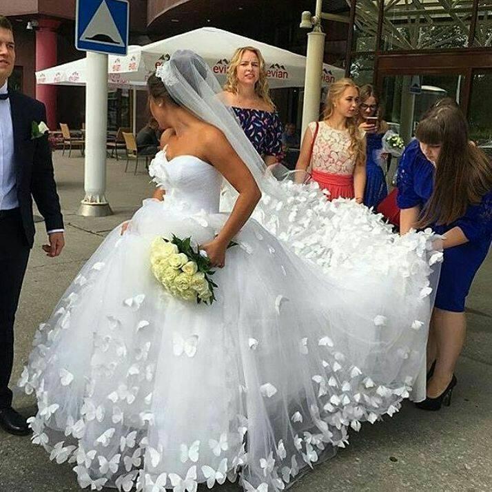 2019 Sweetheart Vestido De Noiva Romantic Bride Gown Hot Sale Princess Wedding Dress With Handmade Butterfly Wedding Dresses