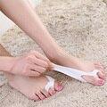 2 Pcs Thumb protetor valgo Silicone Gel dedos do pé dois furos separador do dedo do pé joanete ajustador hálux valgo pés massageador C142