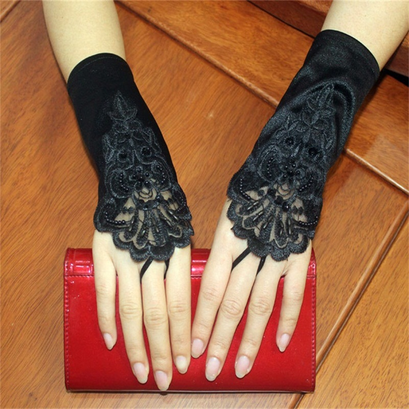 New Short Wedding Gloves White/Ivory/Black Wedding Accessories Elegant Bridal Gloves With Appliqued For Wedding Dress