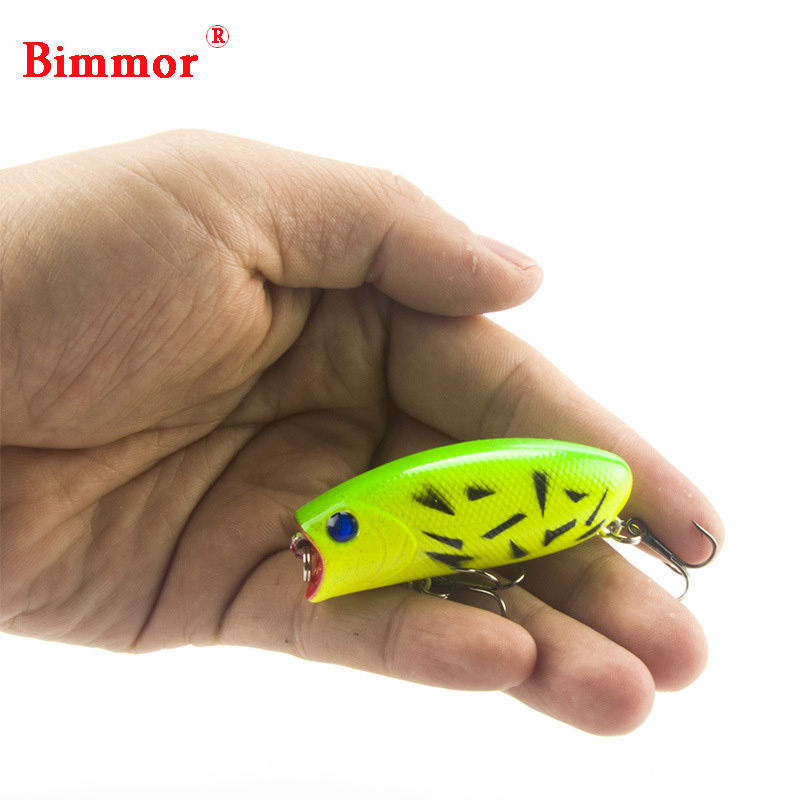 1PCS 3D Eyes Lifelike Fishing Lure 5,5cm 11g 8 # Krokar Pesca Fish Popper Lures Wobbler Isca Artificiell Hard Bait Swimbait