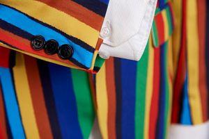 Image 5 - Pyjtrl Nuovo Mens Striscia Colorata Stampa di Disegno Della Giacca Sportiva Più Il Formato Alla Moda Casual Maschio Slim Fit Rivestimento Del Vestito Cantante Prom Coat vestito