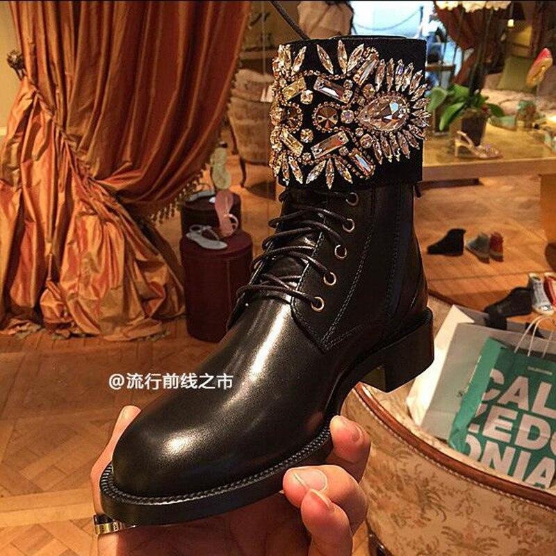 Chaussures Marque Bottes Embelli Black Lace Cuir Up En Bout Femmes Superstar Show Strass Piste Botas Cheville Rond Appartements Boucle As 1qxSX8Bqw