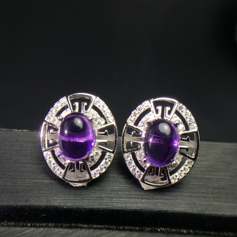 Palace Crystal Amethyst earnail 925 silver inlaid wear effect perfectPalace Crystal Amethyst earnail 925 silver inlaid wear effect perfect