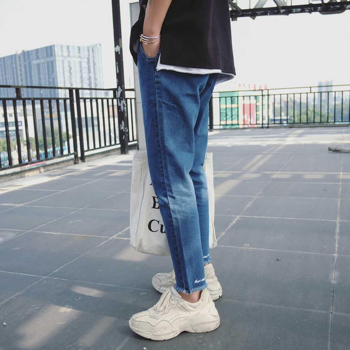 2018 Spring Newest Mens Fashion Classic Jeans Embroidery Skinny Stretch Fit Slim Pants Blue Casual Denim Trousers Size 28-34