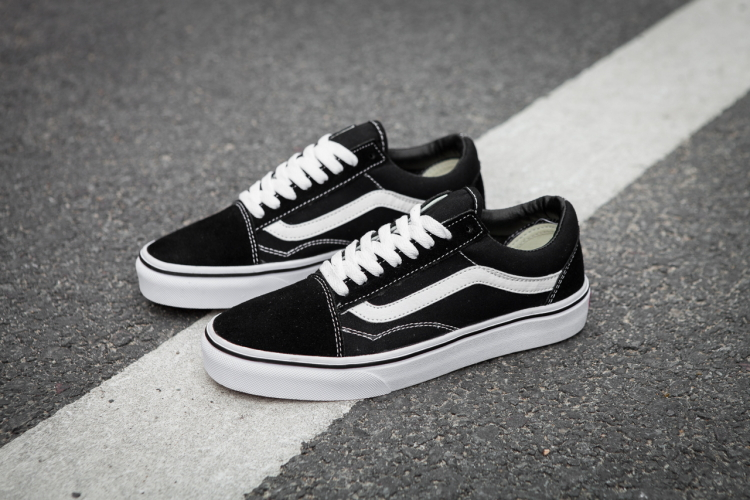 VANS OLD SKOOL Classic Mens Sneakers shoes 080ce81f9c99