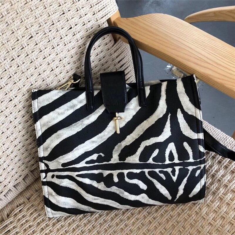 Zebra Pattern Handbags Female 2019 Summer Large Capacity Shoulder Messenger Bags Casual Fashion Women Purse and Handbags