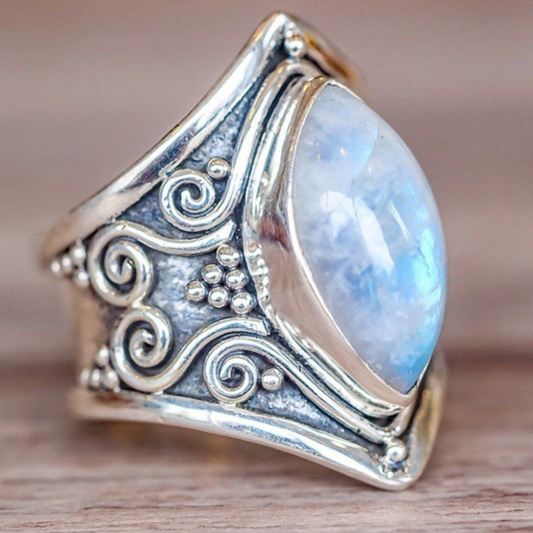 Vintage Silver Big Moonstone Stone Ring for Women Fashion Bohemian Boho Jewelry 2018 New Hot