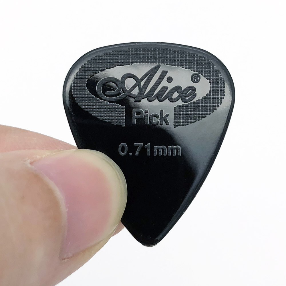 12 pieces Alice Guitar Pick Non-slip Black White Nylon Mediator for Acoustic Electric Guitarra Ukulele Accessories(China)