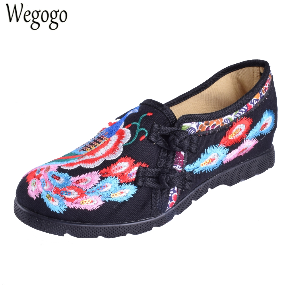 Women Flats Shoes Casual Cotton Peacock Embroidered Cloth Flat Ankle Buckles Ladies Ballet Canvas Platforms Zapatos Mujer vintage women pumps flowers embroidered ankle buckles canvas platforms ladies soft casual old beijing shoes zapatos mujer
