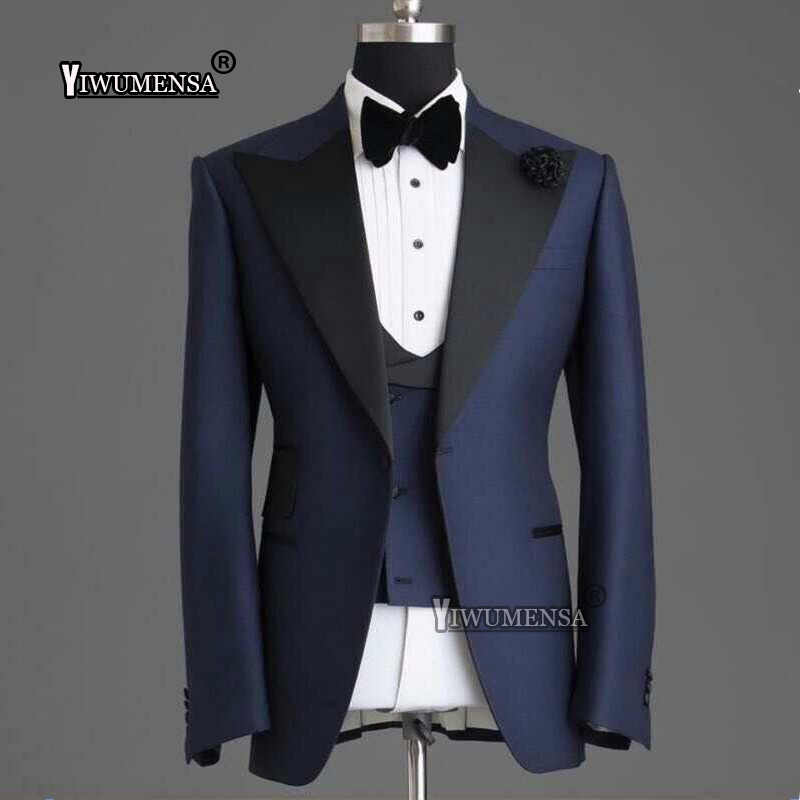Yiwumensa ホット販売男性スーツ 3 ピースウエディング新郎の最高の男のウェディングドレスの宴会ビジネスフォーマルスーツカスタムメイドディナードレス