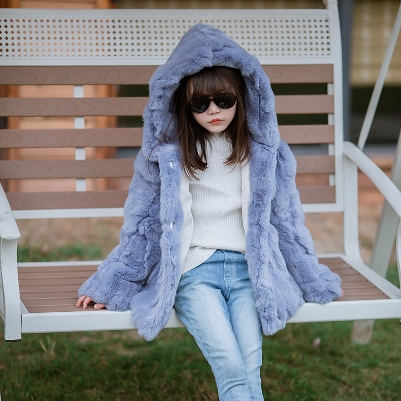 цена 2018 Real Rex Rabbit Fur Coat Girl Fur Coat Wine Red Natural Rabbit Fur Jacket Girl Jacket Children's Wear Casual Warm Clothing
