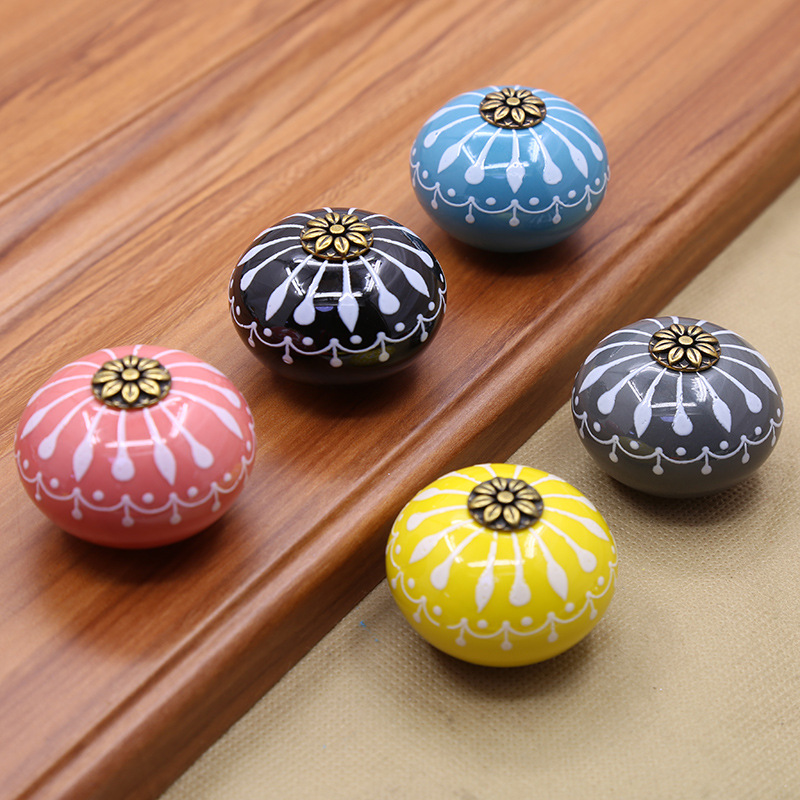 2017 New Puxador Ceramic Hand-painted Art Handle European Modern Simple Drawer Cupboard Wardrobe Door Round Single Hole Black european modern bronze doors handle chinese antique glass door handle door handle carving