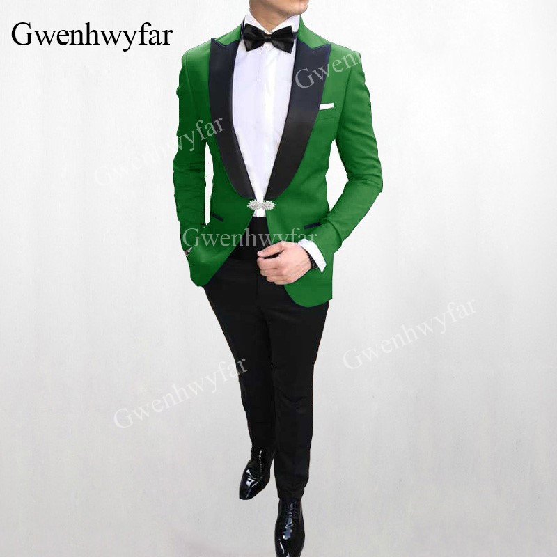 Custom Made Groomsmen Shawl Lapel Groom Tuxedos Black Velvet Men Suits Wedding Best Man Blazer Jacket