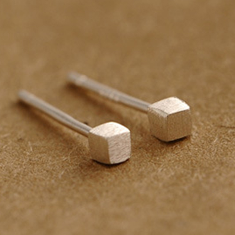 Solid 925 Sterling Silver Small Cube Stud Earring Allegy Free Piercing for Women Ute5039