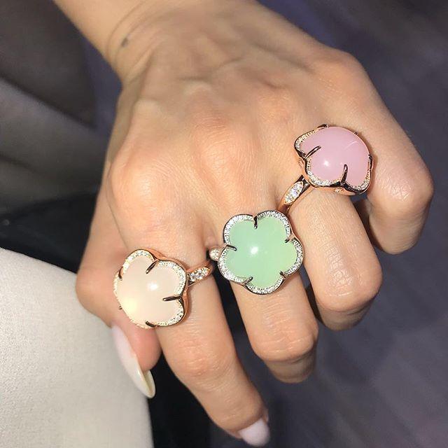 Mode cinq pétale fleur rose blanc vert coloré opale bijoux 925 Sterling argent anneau blanc or couleur Fine bijoux pour femmes