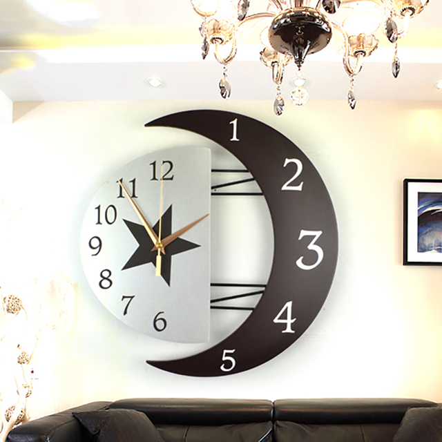*Modern Living Room Decorative Creative Wall Clock Star&Moon Style Wooden Density Board Wall Clock Scan Second Movement Clock S