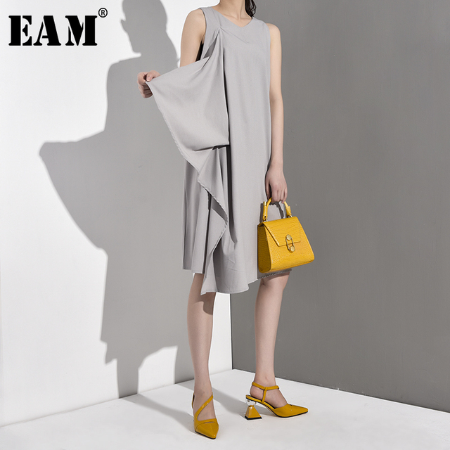 [EAM] 2020 New Spring Summer Round Neck Sleeveless Black Loose Split Joint Ruffles Temperament Dress Women Fashion Tide JG2220